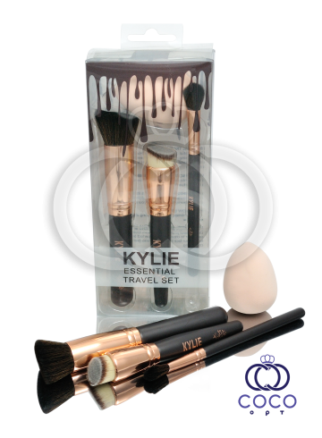Набор кистей и спонж для макияжа Kylie Essential Travel Set  фото